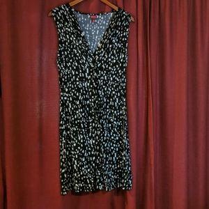 Black & white sleeveless printed dress M